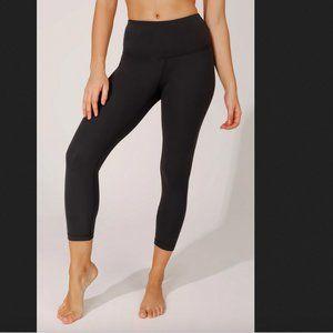 YOGALICIOUS Nude Tech High Waist Blk Capri Legging